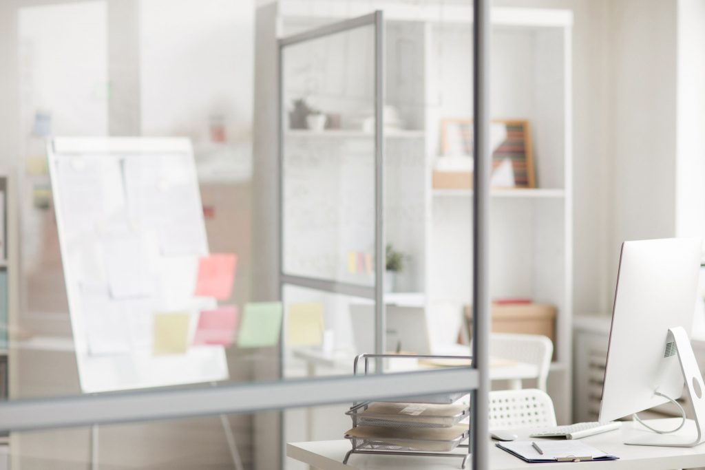 cubicles-in-office-SZ946VK