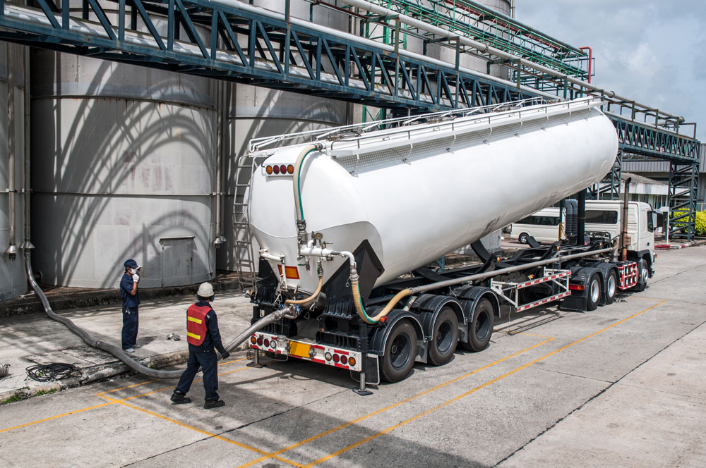 truck-tanker-chemical-delivery-PTKQW5B